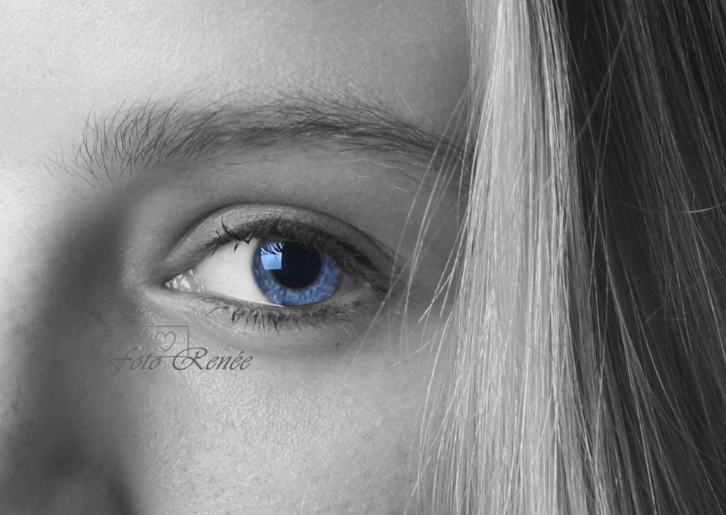 Portretfotografie zwarty-wit close up van oog