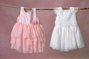 Roze en wit jurkje voor newborn fotoshoot